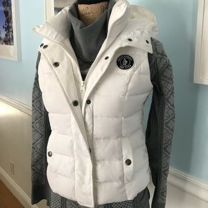 Excellent condition white puff vest size Small
